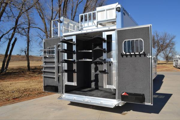 Must-Have Horse Trailer Accessories for First Time Owners