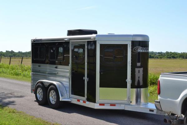 How to Pick the Right Livestock Trailer