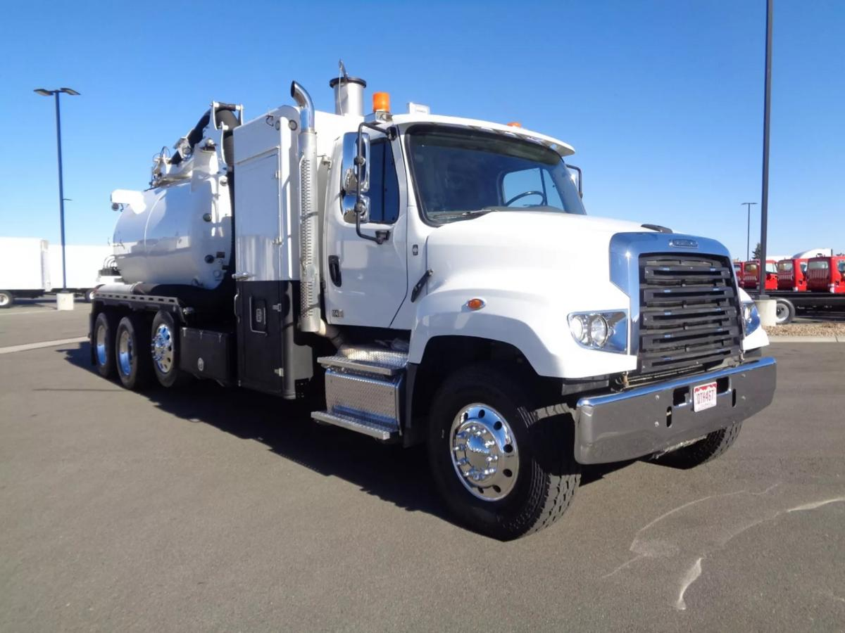 2018 Freightliner 114SD - Image 3 of 14