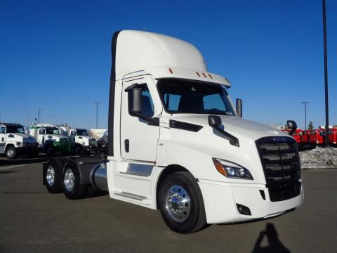 2021 Freightliner Cascadia 126 - Image 3 of                                                14