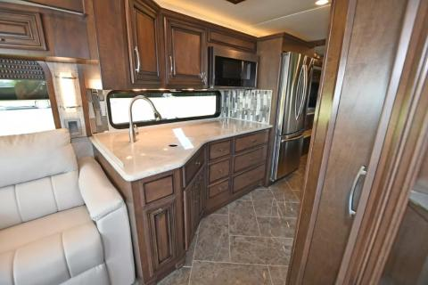 2021 Newmar New Aire 3545 - Image 15 of                                                43
