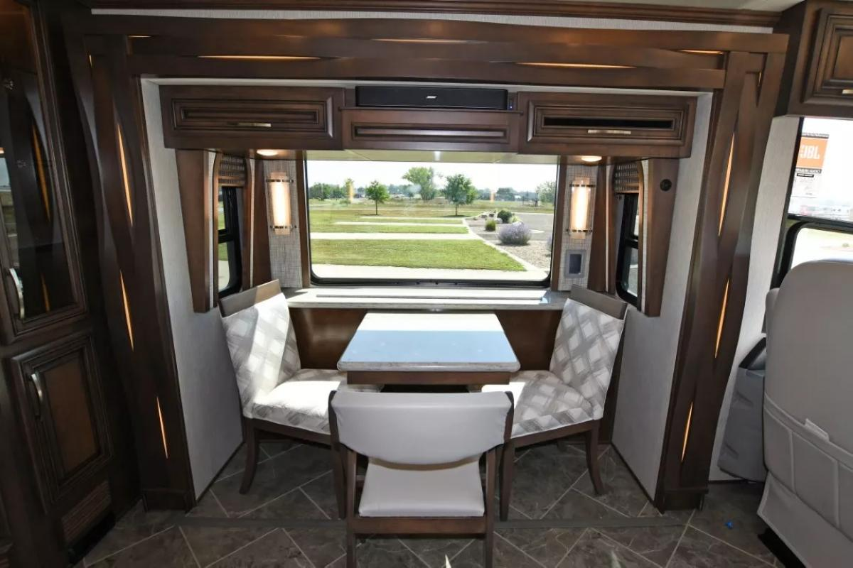 2021 Newmar New Aire 3545 - Image 11 of 43