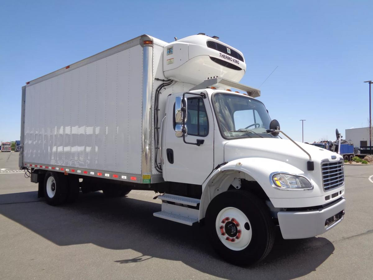 2018 Freightliner M2 106 - Image 3 of 12