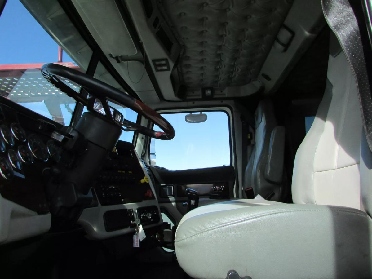 2014 Western Star 4900FA - Image 24 of 30