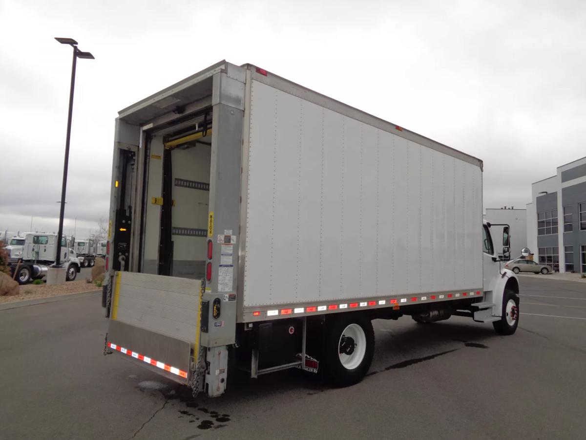 2018 Freightliner M2 106 - Image 6 of 12