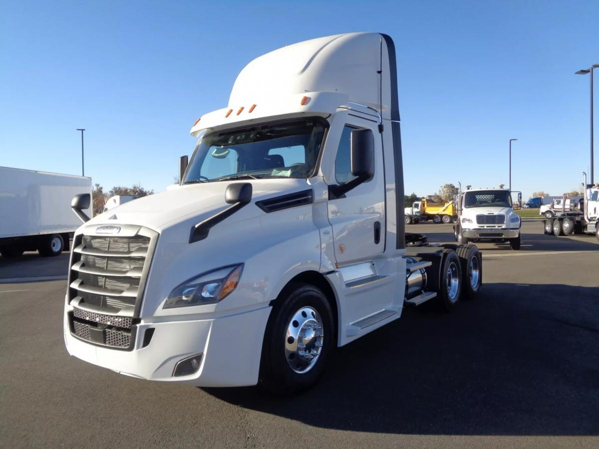 2021 Freightliner Cascadia 126 - Image 1 of 14