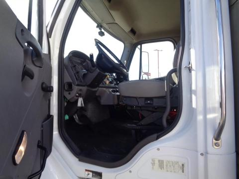 2018 Freightliner M2 106 - Image 11 of                                                20
