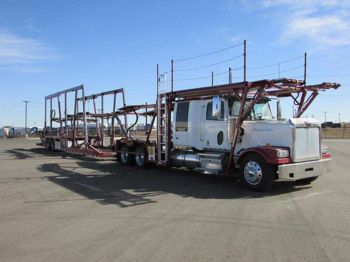 2014 Western Star 4900FA - Image 2 of 30
