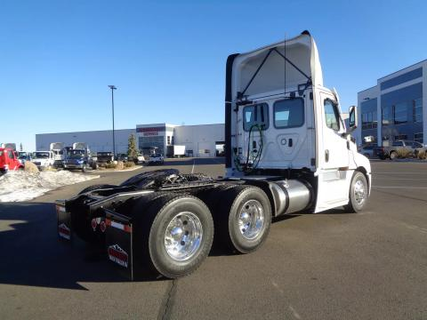2022 Freightliner | Image 4 of 14