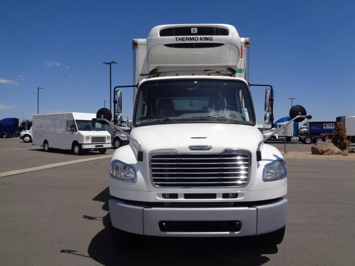 2018 Freightliner M2 106 - Image 2 of 12