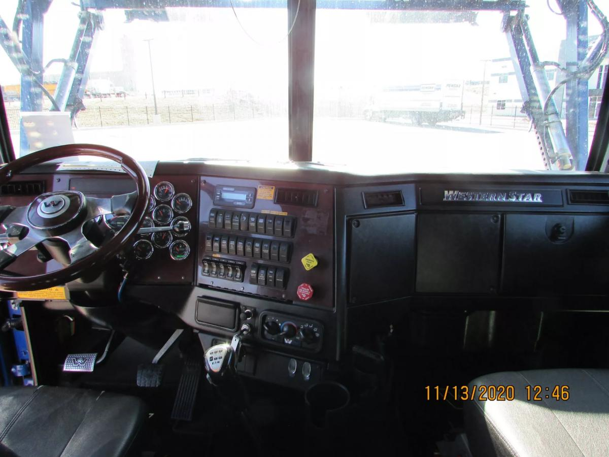 2016 Western Star 4900FA - Image 30 of 31