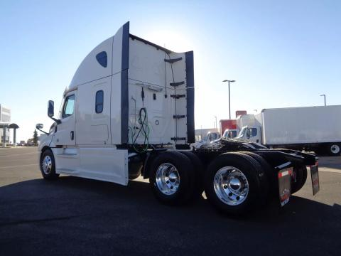 2022 Freightliner | Image 6 of 19