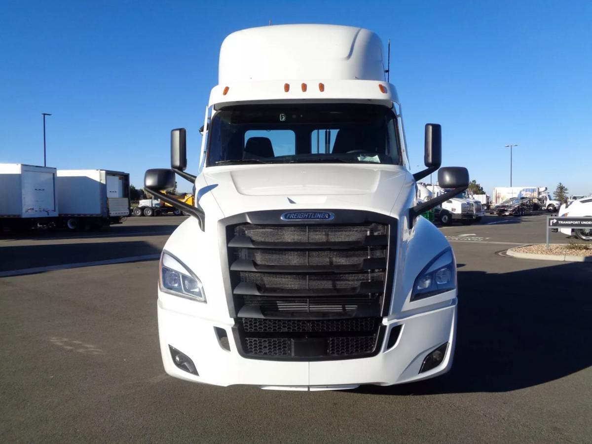 2021 Freightliner Cascadia 126 - Image 2 of 14