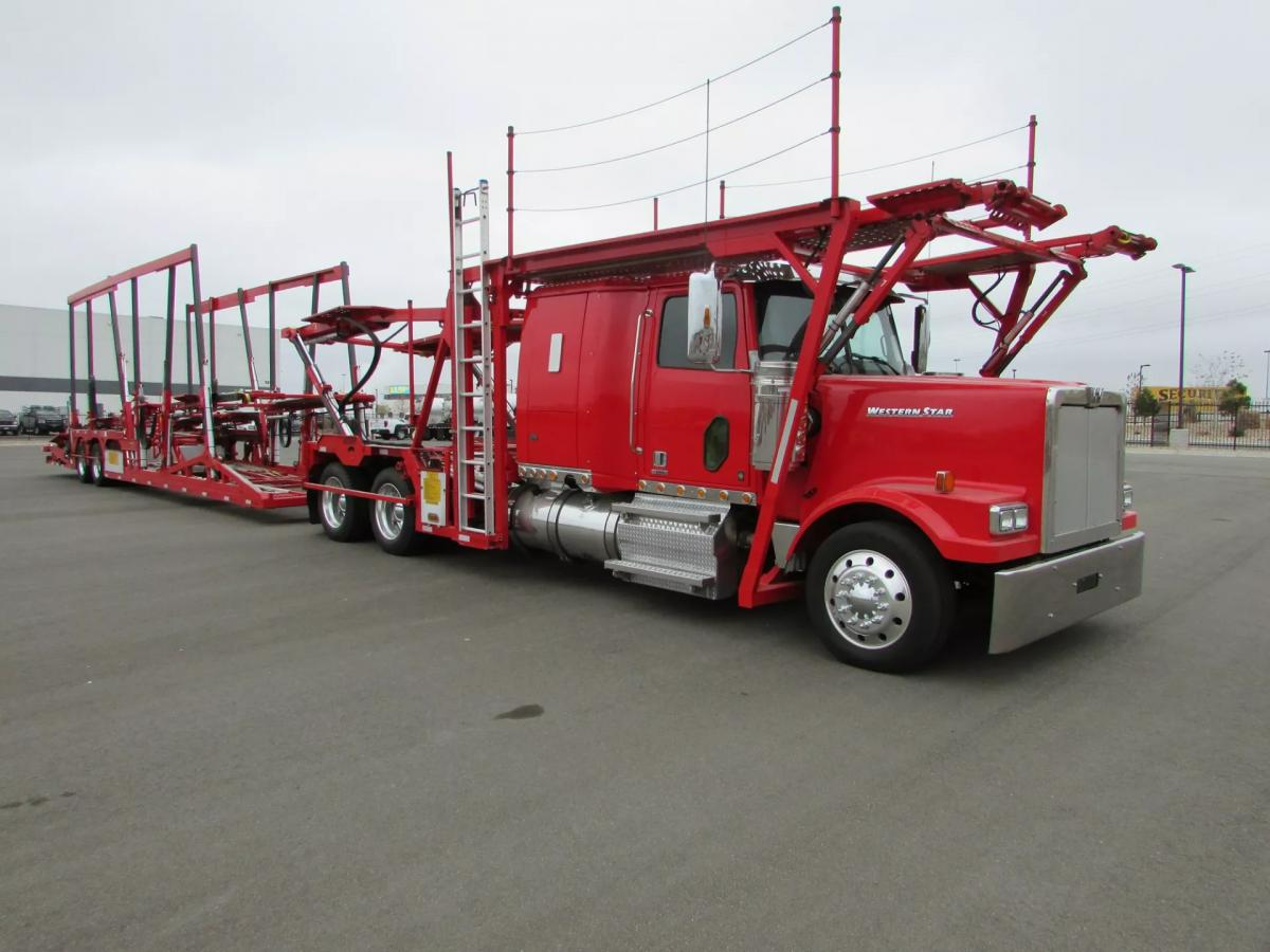 2016 Western Star 4900SF - Image 2 of 31