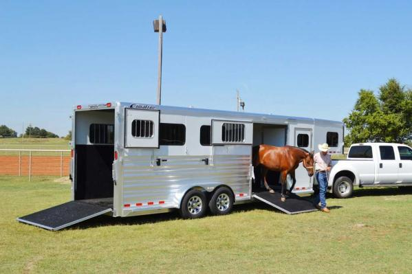 Horse Trailer Safety Tips