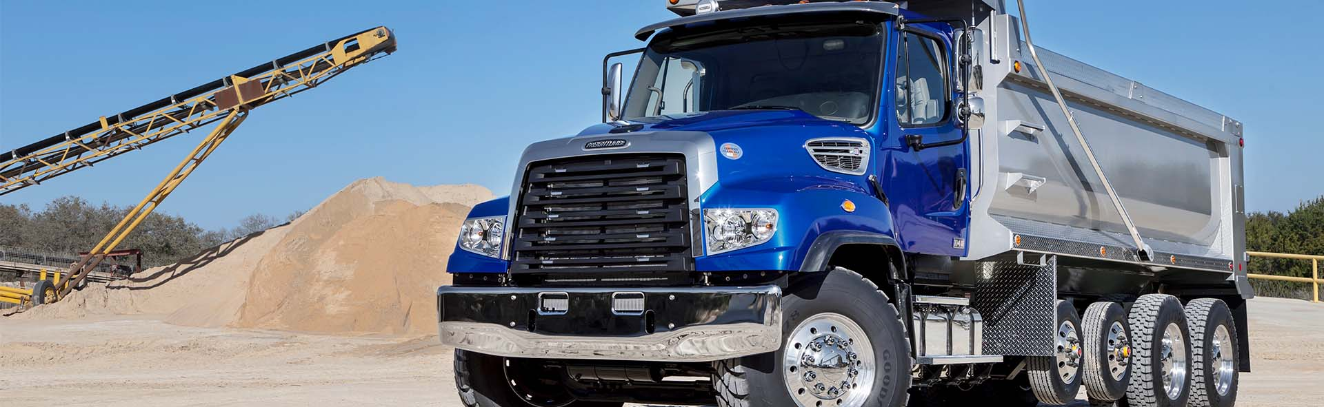 freightliner-one-hundred-and-eight-s-d