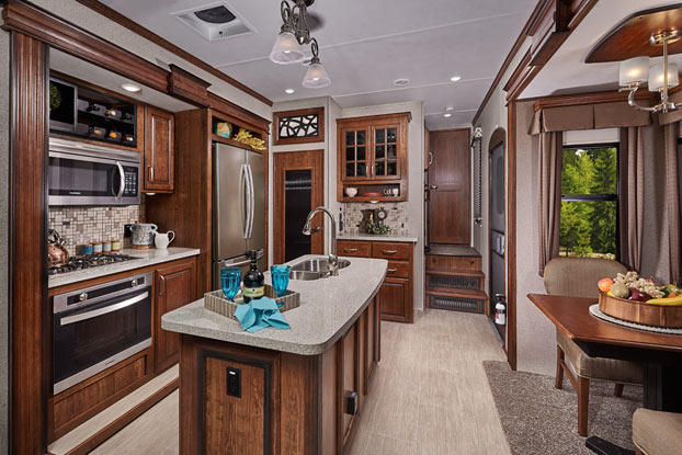 interior-image-keystone-rv-alpine-luxury-fifth-wheel